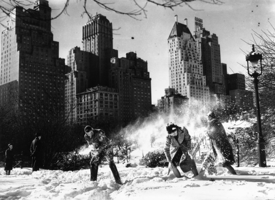 A snowball fight in Central Park, New York, after the first snowfall of 1938. (Photo by Tucker/Getty Images)